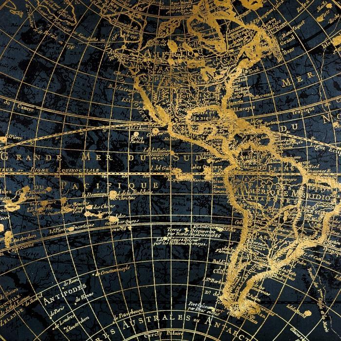 Globe terreste bleu et doré